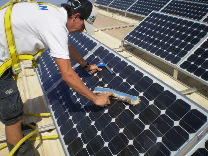 paneles-solares-mantenimiento